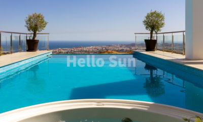 Luxury Modern Villa with Spectacular Views